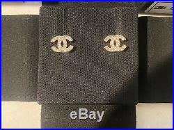 100% Auth Chanel Gold Tone Dore Classic CC Strass Crystal Studs Earrings Small