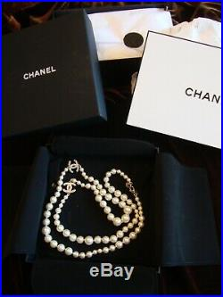 AUTH CHANEL 42L NECKLACE Gold-tone, Oval Embel, Pearls, Stamped, FRANCE
