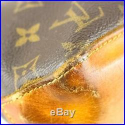Auth LOUIS VUITTON TROTTEUR Crossbody Shoulder Bag Purse Monogram M51240 JUNK