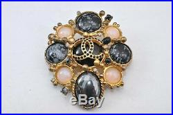 Authentic CHANEL Vintage Pin Brooch Gem Gold Plating Box 84669