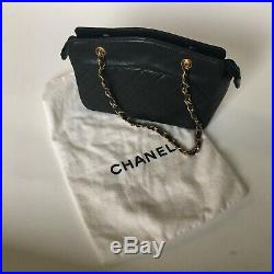 Authentic Chanel Black Quilted Leather Purse Gold Chain Hand Bag classic iconic