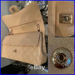 CHANEL 19S Iridescent Beige Caviar Jumbo Classic Flap Bag 2019 Pearly CC Gold HW