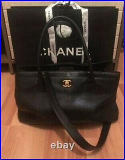 CHANEL Black Caviar Leather Cerf Executive Shopping Tote Bag Gold hardware