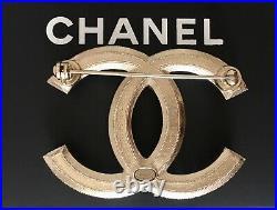 CHANEL CC LOGO GOLD METAL PEARLS BROOCH PIN XLARGE Sz 2.1 x 1.5