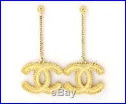 CHANEL CC Logos Drop Dangle Earrings Gold tone F17V withBOX v1051