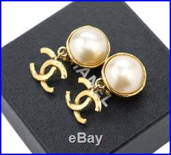 CHANEL CC Logos Pearl Dangle Earrings Gold Tone Vintage withBOX GE42