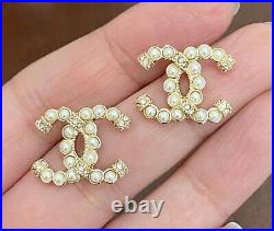 CHANEL CC Pearl Crystal Earrings Gold / M212-2154