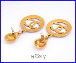 CHANEL Paris CC Logos Dangle Earrings Gold Tone Clip-On 28 Vintage withBOX