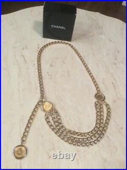 CHANEL Vintage 1980s 31 Rue Cambon Goldplated Triple Chain 3 Coin/Medallion Belt