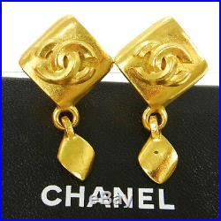 CHANEL Vintage CC Logos Earrings Rhombus Gold Clip-On 0.9 1.6 96P M13336j