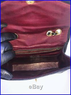 Chanel Authentic Quilted Chevron Purse Handbag Gold Chain CC Lambskin Classic