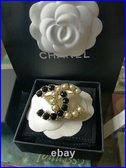 Chanel Ss21 Gold And Black Embellished Crystal Brooch