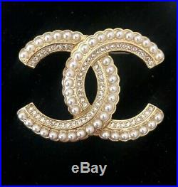 Timeless Classic Chanel 2019 Gold CC Logo Pearl Crystal Brooch Pin