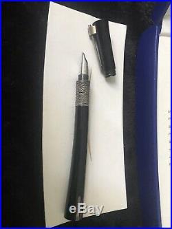 Waterman Serenite Fountain Pen Black 18K Gold Rhodium Plated Nib